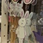 Lapins roses et bleus de Pâques en bois léger - magasin Casa